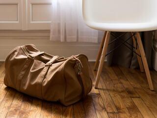 Foto av en bag på et gulv