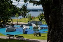 Bekkelagsbadet er et utendørs badeanlegg i Oslo tegnet av Bar Bakke Landskapsarkitekter. Byggherre er Oslo Havn KF. Foto: Tove Lauluten