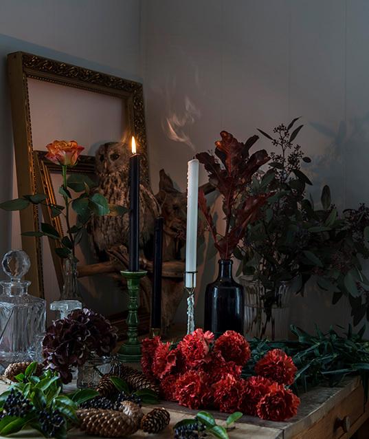 halloween-oppsats-blomster-lys-ig-speil.jpg