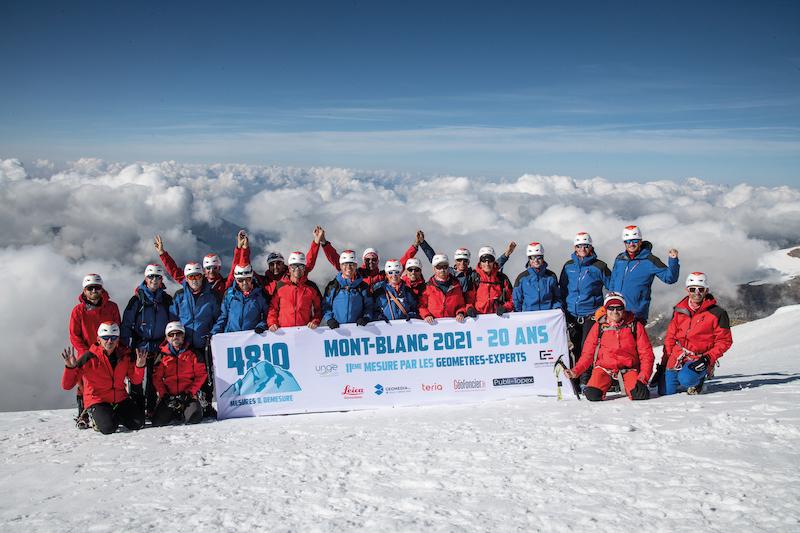 4810-Sommet-Team2(copyright Pascal Tournaire).jpg