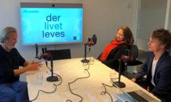 Programleder Kjell Erik Saure (f.v.) har Fredrik Gulowsen, gründer i Nyby, og fagsjef i KS, Anne Romsaas, som gjester i denne episoden av KS-podden
